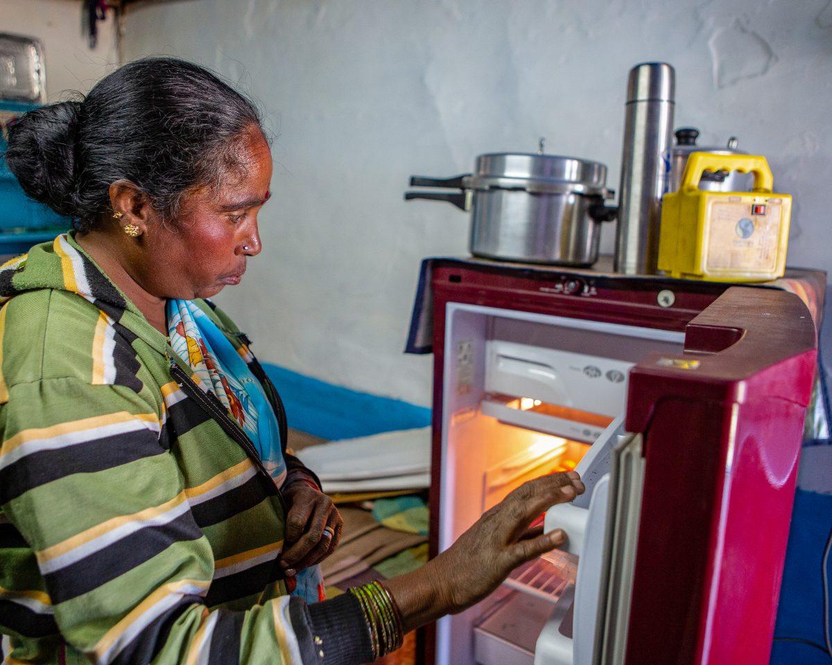 Réfrigérateur financé par prime équitable Lakshmi